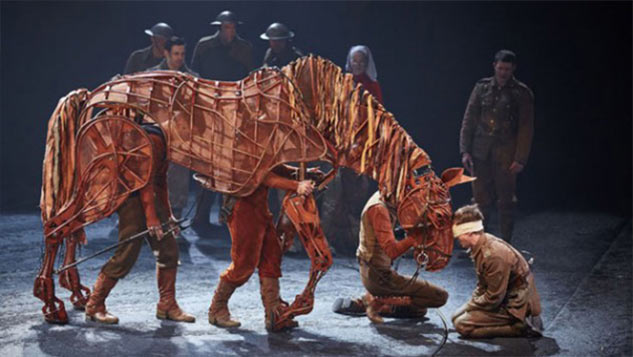 FINAL PERFORMANCE OF LONDON'S WAR HORSE DEDICATED TO THE REAL WW1 STABLES AT SHORNCLIFFE